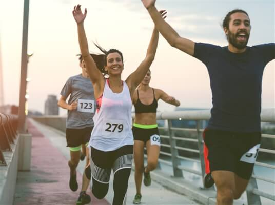 marathon-runners-together-ed